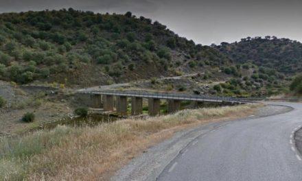 Una mujer de 51 años resulta herida al salirse su vehículo en la carretera de Cáceres a Talaván