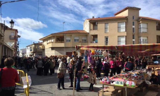 Moraleja reabre el mercadillo municipal en formato reducido y con puestos de alimentación