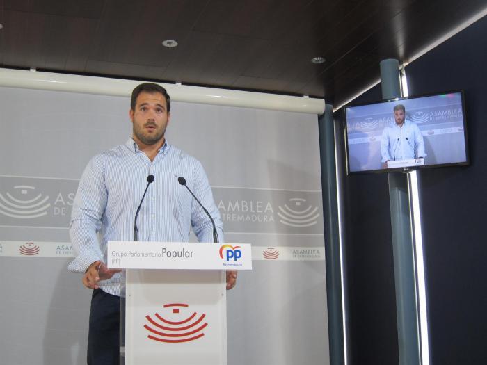 El PP alerta de que se cumple el primer año de legislatura de Vara con 17.000 personas más en desempleo