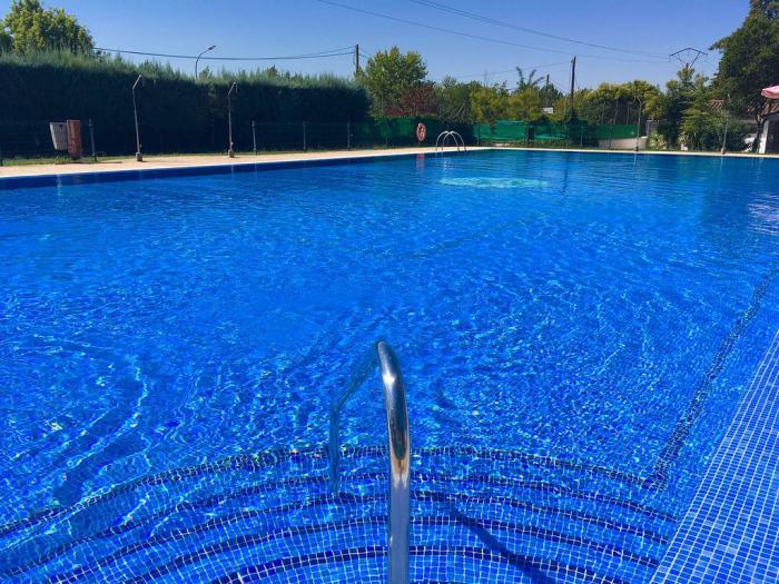 Coria busca socorristas para cubrir las plazas de las piscinas de la ciudad y las pedanías