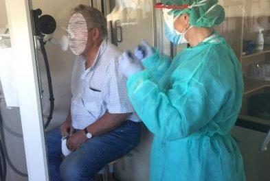 Ocho pacientes de Vegaviana están ingresados y los contagios superan los 80