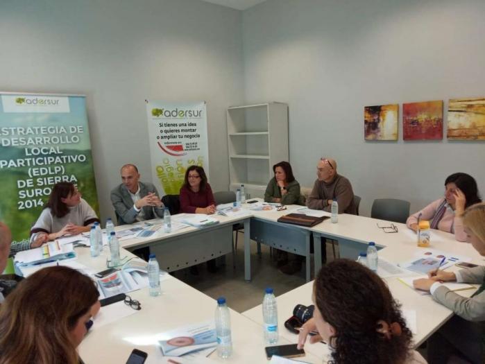 La Junta de Extremadura destina 35 millones a los grupos de acción local para inversiones en áreas rurales