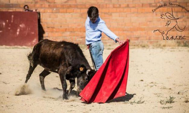 La Escuela de Jóvenes Taurinos de Coria vuelve a impartir clases presenciales a sus alumnos