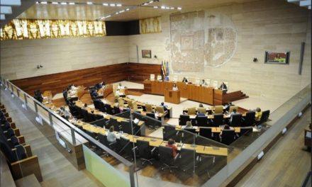 Extremadura intentará garantizar la asistencia de todos los alumnos a las aulas el próximo curso