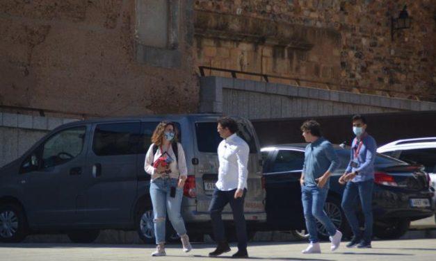 MasterChef en Cáceres: estrellas sin mascarillas, público sin protección y quejas de los hosteleros