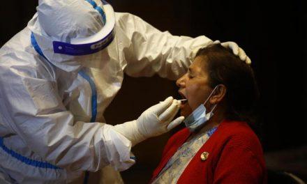 Sanidad realizará prueba PCR a todos los contactos estrechos de personas confirmadas con Covid-19