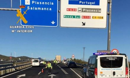 La Guardia Civil detecta dos vehículos circulando a una velocidad muy superior a la permitida