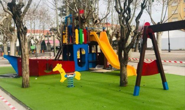 La zonas de juego infantil de Moraleja abrirán este fin de semana al público tras su limpieza y desinfección