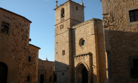 La Concatedral de Cáceres celebra un funeral en memoria de las víctimas del coronavirus