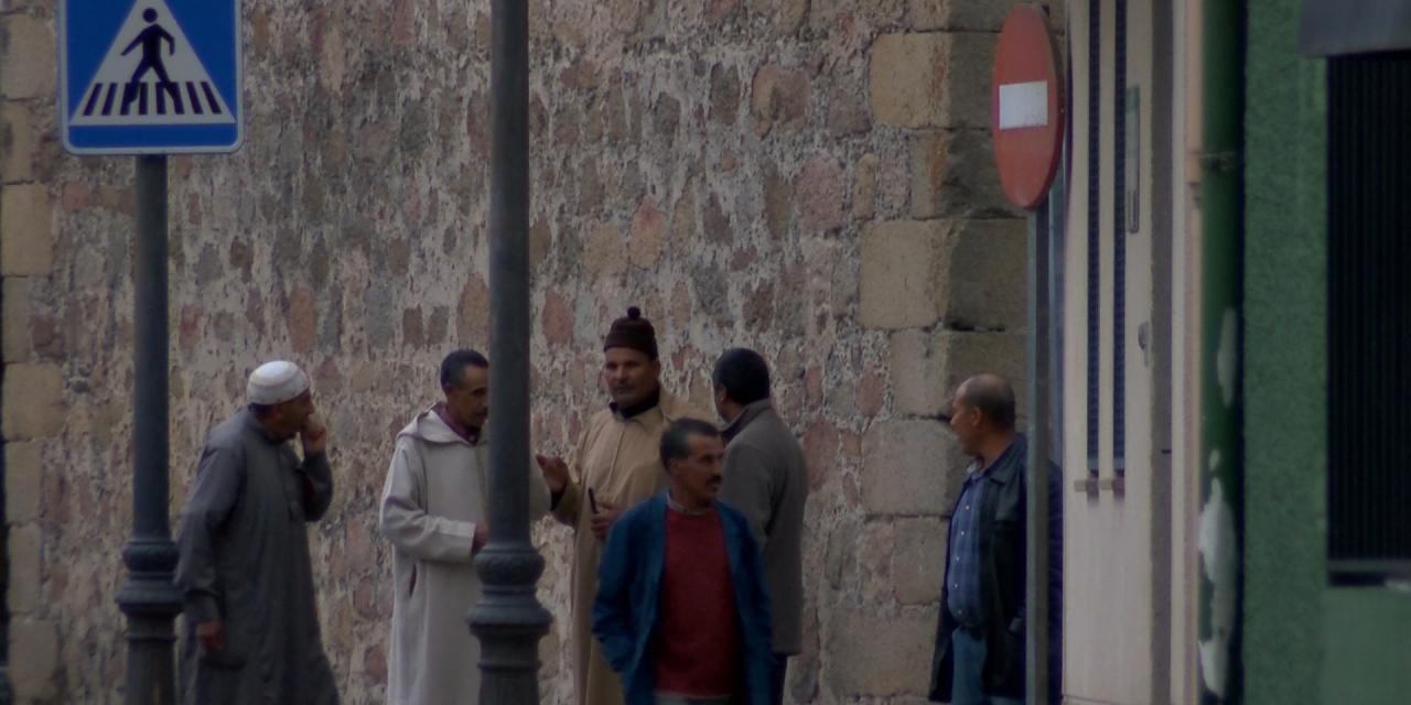 El Gobierno y las regiones crean un plan para detectar precozmente la Covid en los migrantes ilegales que llegan a España