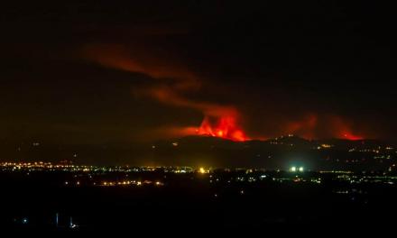 El incendio en la localidad rayana de Oleiros en el que murió un bombero ya está controlado