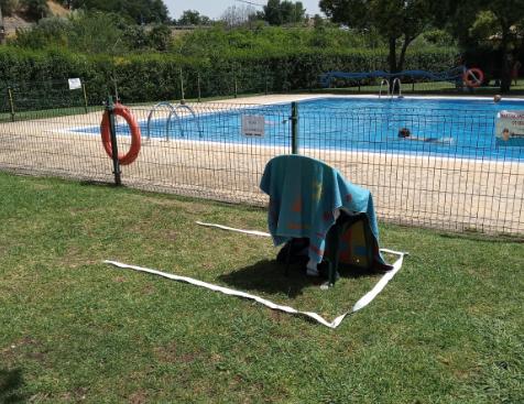 Coria pone en marcha diferentes kit de distanciamiento personal en las piscinas municipales
