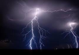 Las Vegas del Guadiana y la meseta cacereña permanecen este martes en alerta amarilla por tormentas y calor