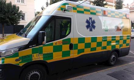 Trasladado al Hospital Don Benito-Villanueva un joven de 21 años tras chocar con un muro mientras conducía