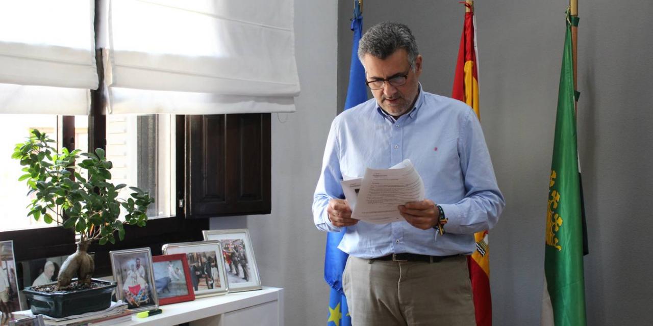 El alcalde de Coria critica que después de un mes el consistorio no tenga información del Plan General Municipal