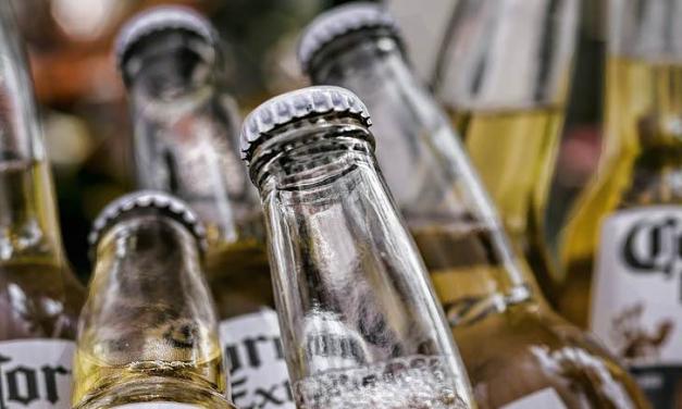Alcántara multará con hasta 600 euros a las personas que hagan botellón o consuman alcohol en la calle