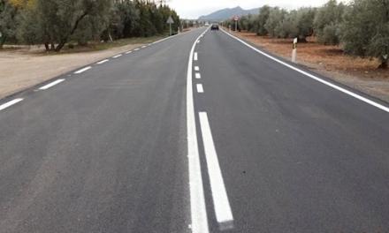 Tres heridos en un accidente entre un coche y un camión en Jerez de los Caballeros