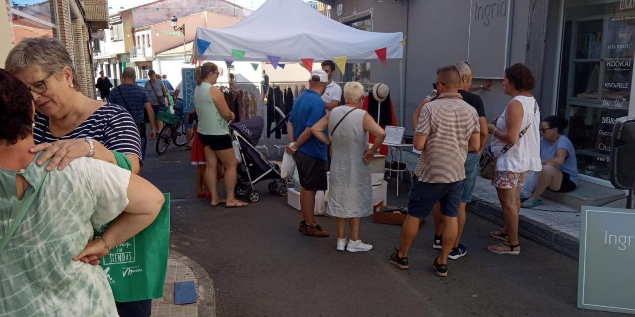 Veinte empresas sacan sus mejores productos a la calle para atraer visitantes a Moraleja