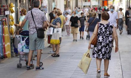 El ayuntamiento modifica las ayudas al comercio para atender la demanda real de los empresarios del sector
