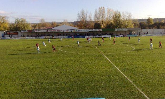 La Junta autoriza la venta de entradas para los partidos de fútbol del play off de ascenso a Segunda B