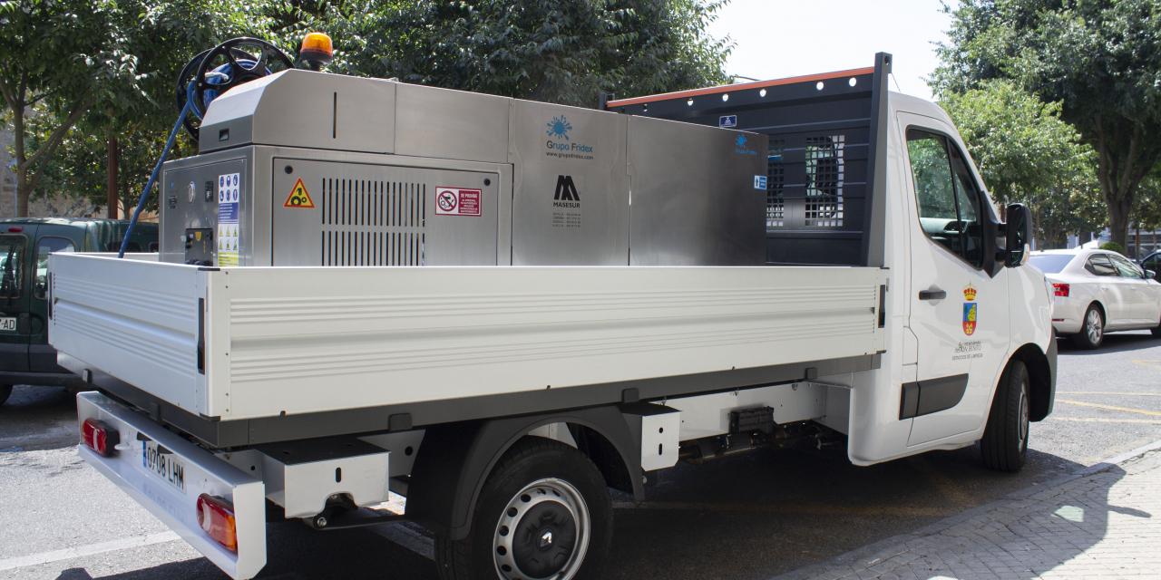 Don Benito cuenta con un nuevo vehículo de limpieza que permite desinfectar vías públicas para evitar la Covid
