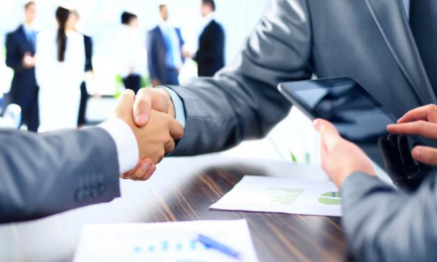Economía ofrece ayudas a las empresas que quieran crear franquicias