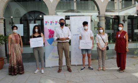 El Ayuntamiento de Coria entrega becas de 1.000 euros a los mejores expedientes académicos de Bachillerato