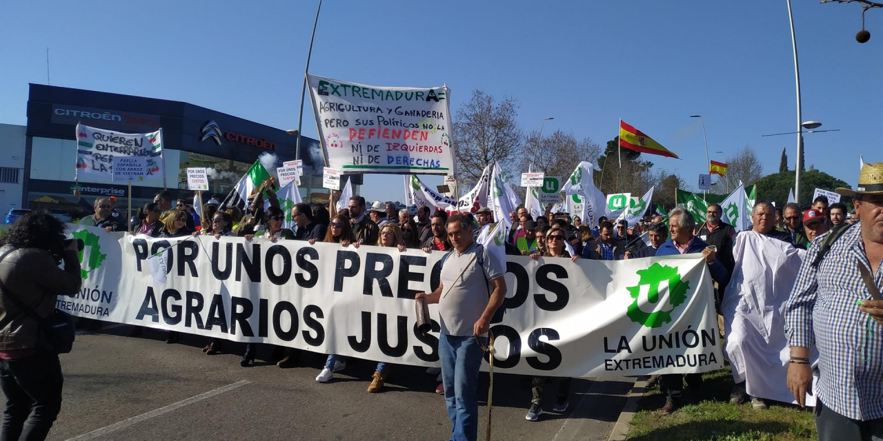 Agricultores extremeños se manifestarán el miércoles en Mérida ante Felipe VI para reivindicar precios justos