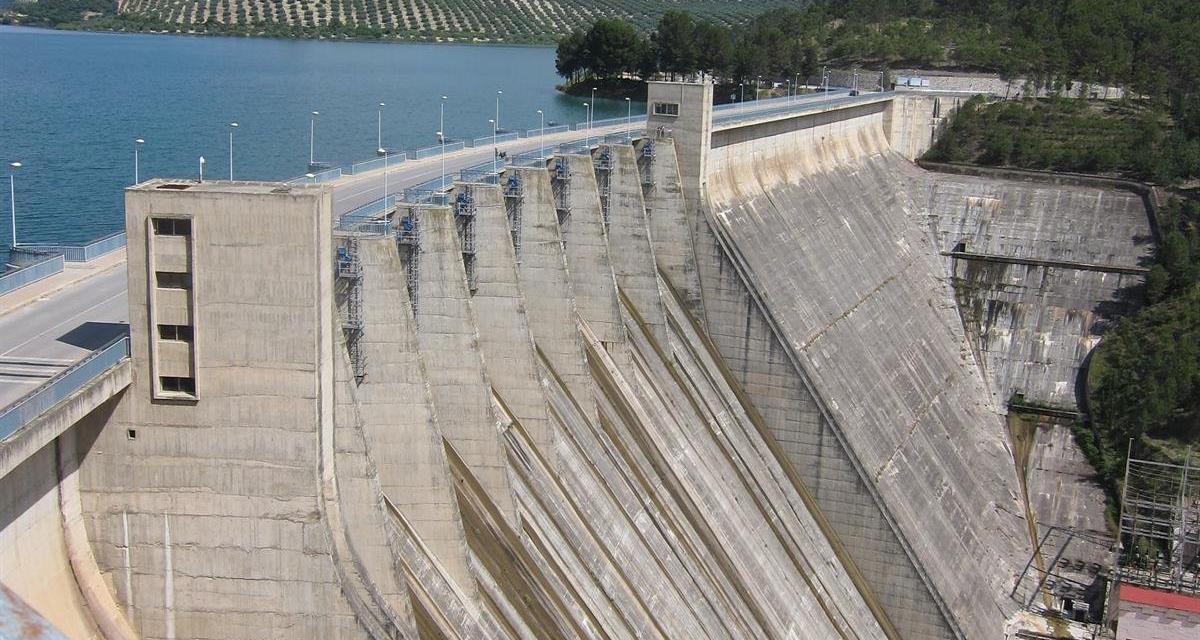 """El PP critica que el gobierno de Vara invierta """"menos cada año"""" en infraestructuras hidráulicas esenciales"""