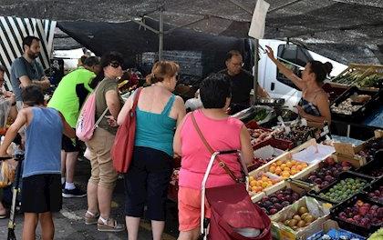 Los vendedores ambulantes proponen al Ayuntamiento de Coria la apertura total del mercadillo garantizando la seguridad