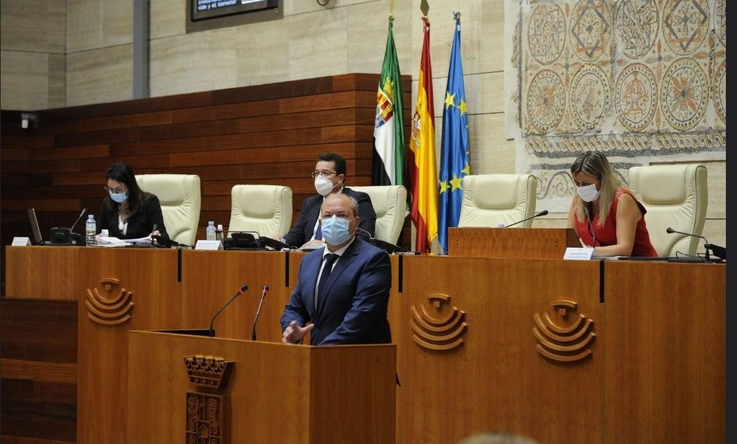 Monago insta a Vara a reclamar un régimen fiscal especial para Extremadura ante la «vulnerabilidad» de la región