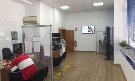La oficina de atención ciudadana de Badajoz se renueva con contenidos audiovisuales y quioscos interactivos
