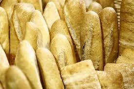 La panadería Santa de Coria vuelve a la actividad cinco días después del incendio en sus instalaciones