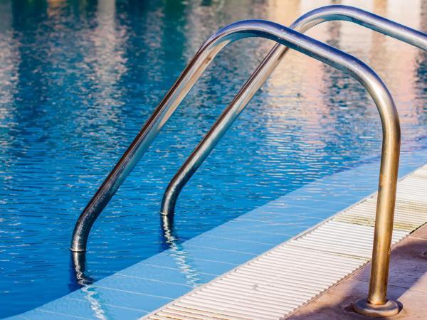 El Ayuntamiento de Arroyo de la Luz no abrirá la piscina municipal ante el aumento de casos de Covid