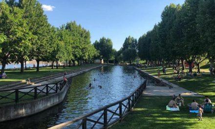 El Ayuntamiento de Moraleja permite un aforo máximo de 350 personas en la piscina natural del parque fluvial