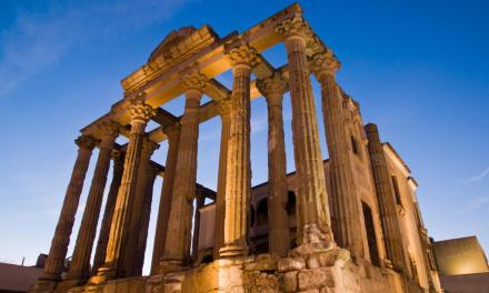 Mérida abrirá monumentos por la noche y organizará espectáculos en la calle en La Noche del Patrimonio