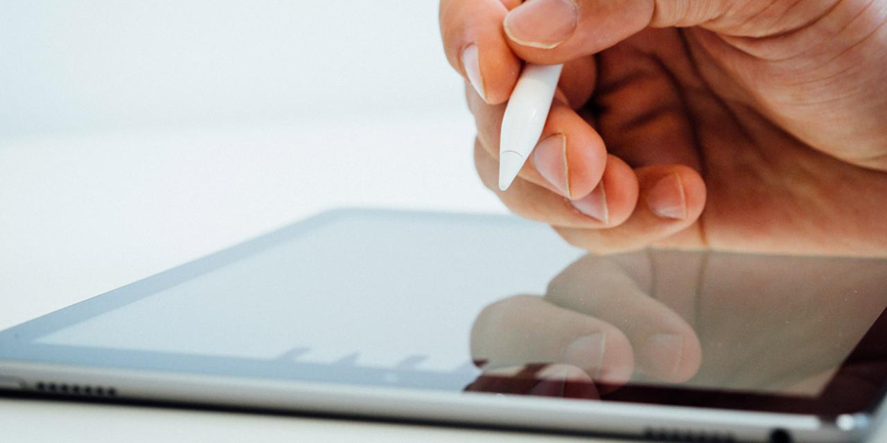 Dos millones de euros para comprar tablets que garanticen el curso ante una posible suspensión de las clases