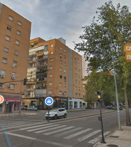 Herido grave un joven de 31 años en accidente de moto en Badajoz