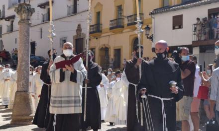 El Monasterio de Guadalupe abre la Puerta Santa que inaugura el Año Jubilar Guadalupense