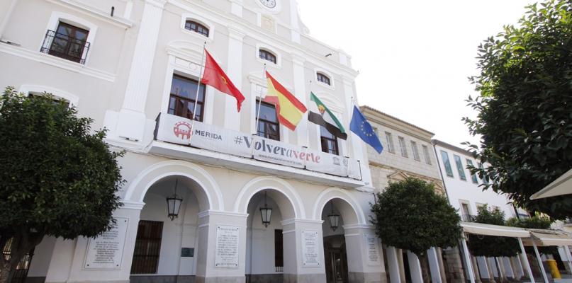 Mérida espera que la deuda municipal sea de 25 millones de euros a final de año