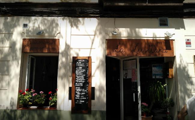 La Policía Local de Valencia multa a un cocinero extremeño por regalar comida durante el confinamiento