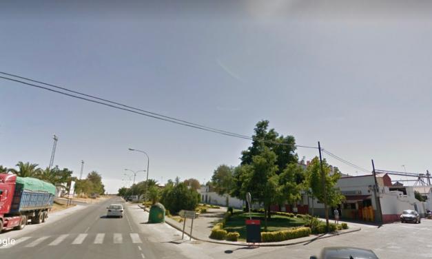 En estado crítico un joven de 16 años tras chocar su moto con un turismo en Burguillos del Cerro