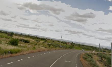 Trasladados cuatro varones al hospital de Coria tras una salida de vía en Cilleros