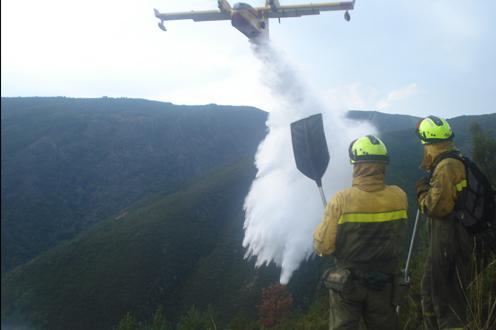 Una brigada de Hurdes interviene en la extinción de un incendio en Salamanca