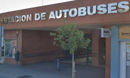 Cáceres pide a la Junta que la empresa de la estación de autobuses extreme la limpieza