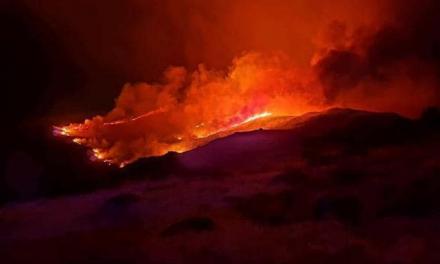 Madrid envía refuerzos para ayudar a sofocar el incendio del Valle del Jerte