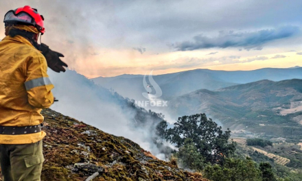 Estabilizado el incendio de Marchagaz que se originó en una zona muy escarpada