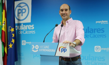 El PP lamenta que el PSOE abandone a los municipios para defender a Sánchez