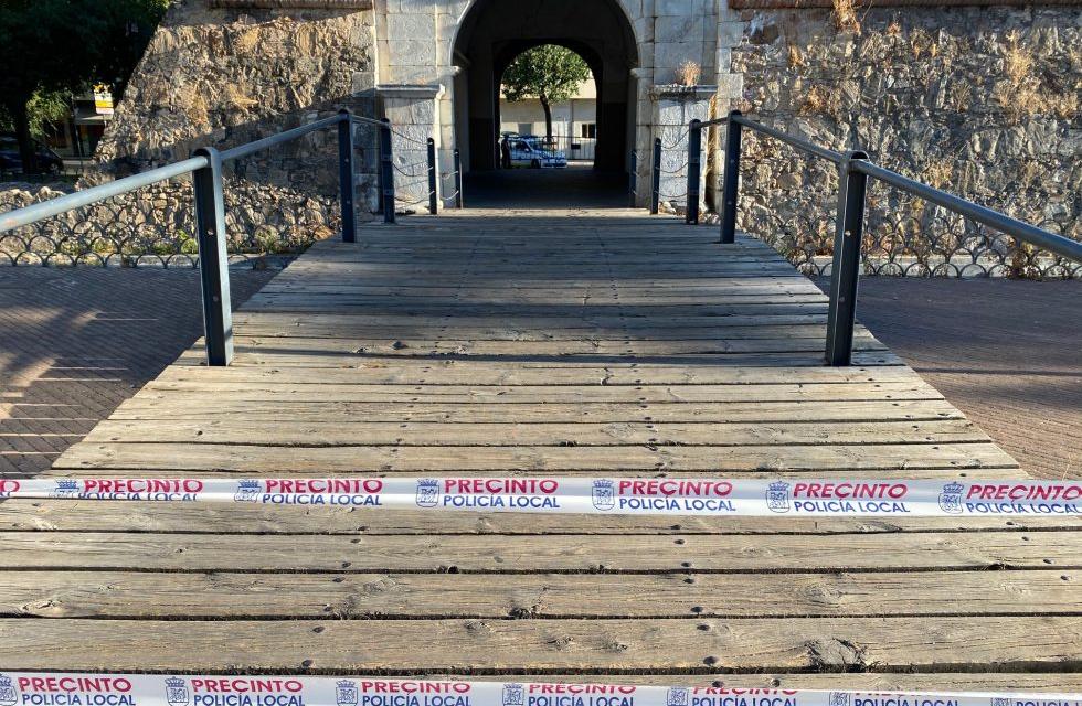 El PSOE de Badajoz critica el cierre de Puerta Pilar ante el «mal estado» del puente