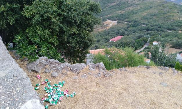 El alcalde de Santibáñez el Alto denuncia la suciedad que dejan algunos vecinos